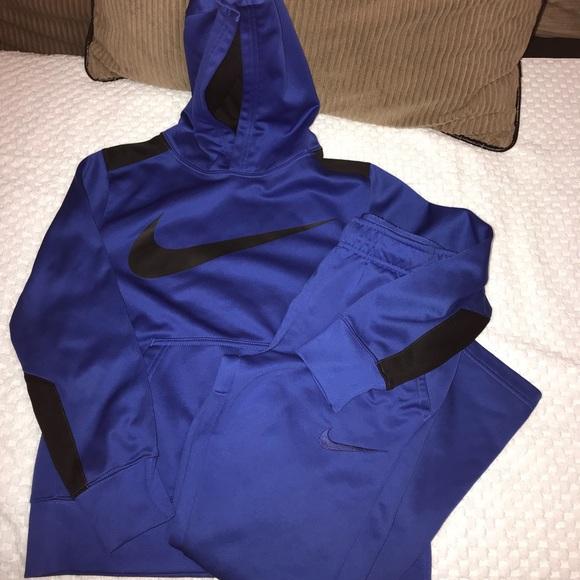 Boys Nike dri-fit jogging suit, size M